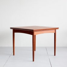 <img class='new_mark_img1' src='https://img.shop-pro.jp/img/new/icons47.gif' style='border:none;display:inline;margin:0px;padding:0px;width:auto;' />Vintage Extension Dining table
