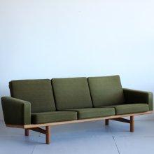 Vintage 3Seat sofa / Hans J.Wegner, GE236
