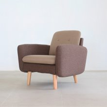 <img class='new_mark_img1' src='https://img.shop-pro.jp/img/new/icons47.gif' style='border:none;display:inline;margin:0px;padding:0px;width:auto;' />COULEUR 1SEAT SOFA(展示現品)