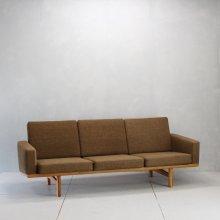 Vintage 3Seat sofa  Hans J.Wegner, GE236
