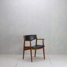 <img class='new_mark_img1' src='https://img.shop-pro.jp/img/new/icons14.gif' style='border:none;display:inline;margin:0px;padding:0px;width:auto;' />Vintage Arm chair