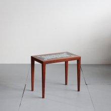<img class='new_mark_img1' src='https://img.shop-pro.jp/img/new/icons14.gif' style='border:none;display:inline;margin:0px;padding:0px;width:auto;' />Vintage Sidetable|HASLEV x Royal Copenhagen  Tenera