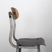 <img class='new_mark_img1' src='https://img.shop-pro.jp/img/new/icons47.gif' style='border:none;display:inline;margin:0px;padding:0px;width:auto;' />Vintage Industrial high chair