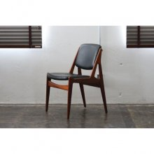 <img class='new_mark_img1' src='//img.shop-pro.jp/img/new/icons20.gif' style='border:none;display:inline;margin:0px;padding:0px;width:auto;' />Vintage Dining chair 2脚 set / Arne Vodder