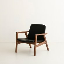Ann Lounge chair / Walnut