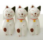 木彫り 猫 三毛招き猫トリオ[幸運を招いてくれるラッキーキャット★同柄3個組でお買い得]