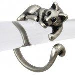 猫 リング 指輪 キャット 甘え猫(アンティークシルバー)フリーサイズ(10号〜15号)
