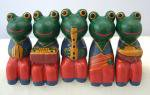 木彫り カエルの音楽隊