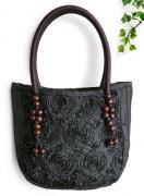 シルクリボン刺繍トートバッグ(黒)[ワンピースやガーリッシュファッションにも似合う大きめバッグ]