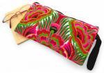 モン族刺繍クラッチバッグ(B)[少数民族の刺繍をあしらった、艶やかなファッションバッグ]