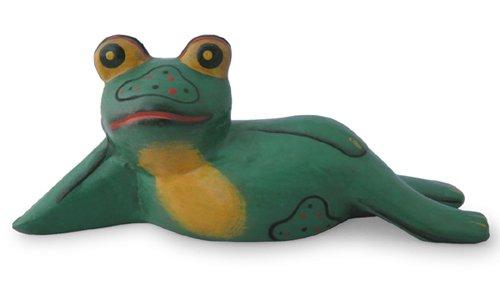 木彫り 蛙  のほほんガエル(大)[呑気に寝そべる姿を眺めれば、気持ちもノンビリ和んじゃう]
