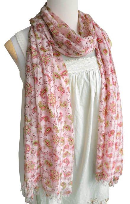 コットン唐草柄大判スカーフ(ピンク) 【肌に優しい天然素材、使い勝手抜群の特大サイズ 190×55cm】