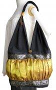 ショルダーバッグ シルク素材 タック&ギャザー 肩掛けバッグ 布バッグ(ゴールド)[A4サイズ 収納 通勤 通学 旅行 レジャー]