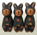 木彫り ウサギ お座りうさぎトリオ(A)[机やパソコン周り、窓辺等に飾りたい、ほのぼの癒し系置物はいかが]
