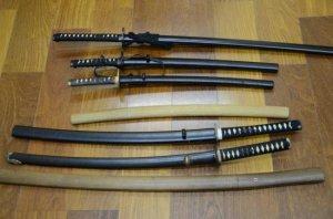 色々お買取りしています 本日のお買取り商品は脇差・刀・模造刀です!!(クリスマス・イヴ)