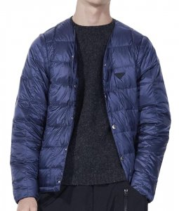 <img class='new_mark_img1' src='https://img.shop-pro.jp/img/new/icons7.gif' style='border:none;display:inline;margin:0px;padding:0px;width:auto;' />TAION EXTRA タイオン MENS V NECK INNER DOWN メンズVネックインナーダウン NAVY