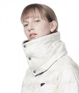 <img class='new_mark_img1' src='//img.shop-pro.jp/img/new/icons7.gif' style='border:none;display:inline;margin:0px;padding:0px;width:auto;' />TAION EXTRA タイオン NECK WARMER+HOOD SET ネックウォーマーフードセット OFF WHITE