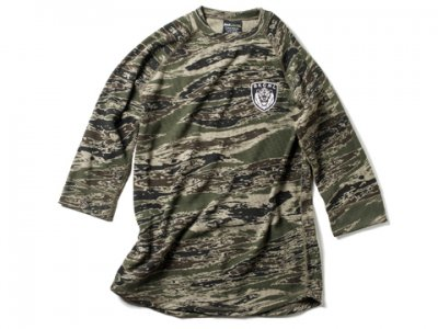 <img class='new_mark_img1' src='//img.shop-pro.jp/img/new/icons50.gif' style='border:none;display:inline;margin:0px;padding:0px;width:auto;' />-BackChannel-GHOST LION CAMO THERMAL RAGLAN 70% T