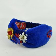 花とファーのヘアバンド