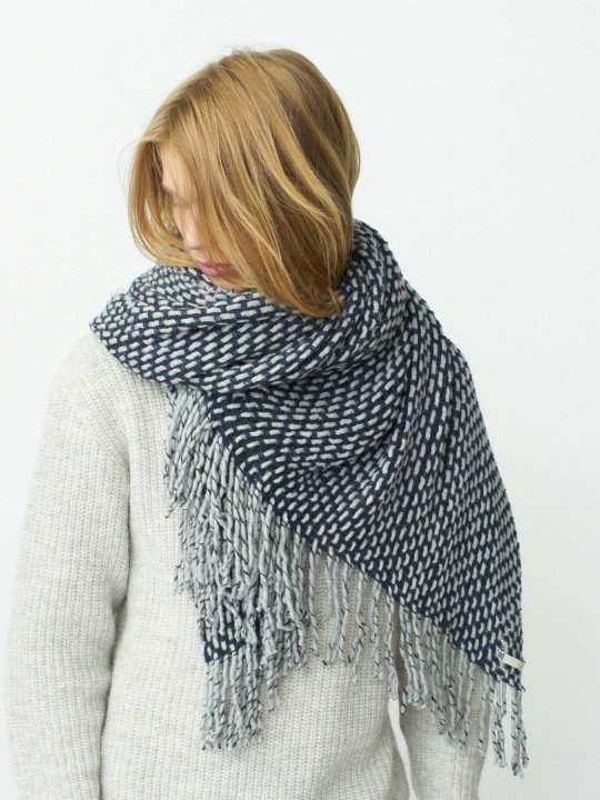 TROVE / MIX BLANKET / GRAY NAVY photo