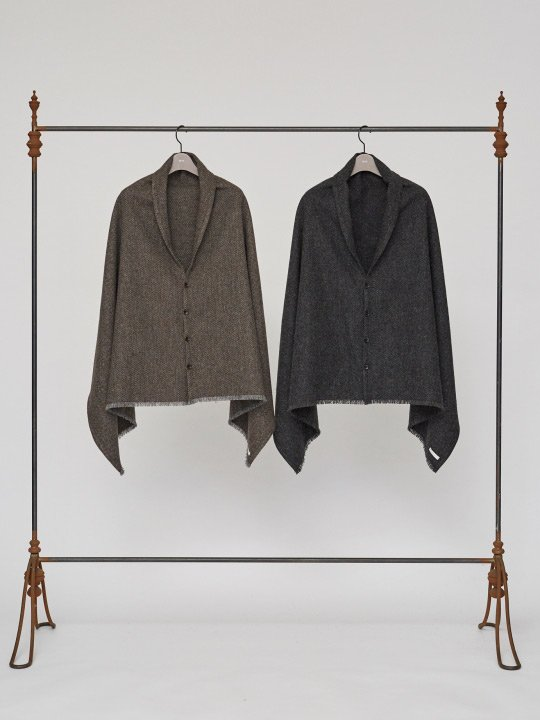 TROVE / KISSA CAPE / GRAY BROWN photo