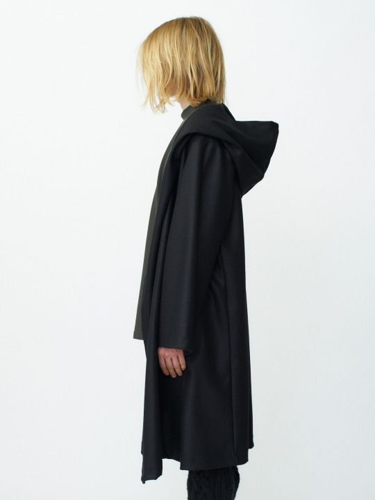 TROVE / KANGAS HOODED GOWN / BLACK photo