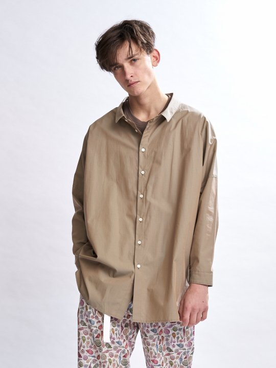 TROVE / UNI WIDE SHIRT / BEIGE KHAKI photo