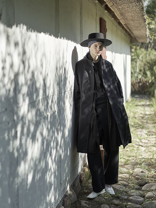 TROVE / GABARDINE COAT / BLACK photo