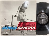 Astrud Gilberto / the Essential