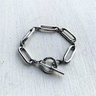 <img class='new_mark_img1' src='https://img.shop-pro.jp/img/new/icons50.gif' style='border:none;display:inline;margin:0px;padding:0px;width:auto;' />ALBERT CHAIN CUFF / SILVER