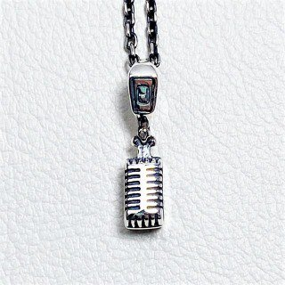 <img class='new_mark_img1' src='https://img.shop-pro.jp/img/new/icons11.gif' style='border:none;display:inline;margin:0px;padding:0px;width:auto;' />Vintage Microphone Pendant