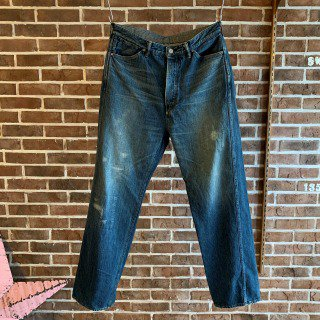 <img class='new_mark_img1' src='https://img.shop-pro.jp/img/new/icons11.gif' style='border:none;display:inline;margin:0px;padding:0px;width:auto;' />PLEATED JEAN TROUSER''946