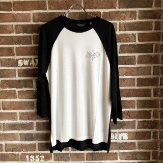 <img class='new_mark_img1' src='https://img.shop-pro.jp/img/new/icons11.gif' style='border:none;display:inline;margin:0px;padding:0px;width:auto;' />TWO TONE RAGLAN TEE / BLKxWH