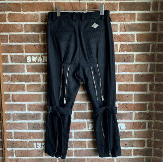 <img class='new_mark_img1' src='https://img.shop-pro.jp/img/new/icons11.gif' style='border:none;display:inline;margin:0px;padding:0px;width:auto;' />BELTED BONDAGE TROUSERS / BLACK