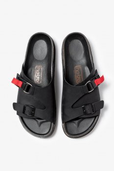 <img class='new_mark_img1' src='https://img.shop-pro.jp/img/new/icons13.gif' style='border:none;display:inline;margin:0px;padding:0px;width:auto;' />【hobo】COW LEATHER SANDAL with FIDLOCK®️BUCKLE/ブラック