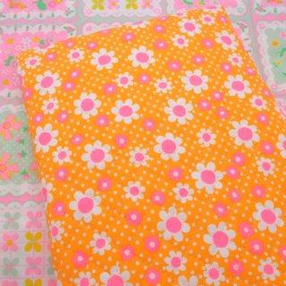 キルティング Daisy (オレンジ) 50cm×52cm