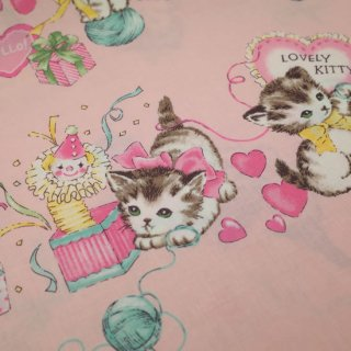 <img class='new_mark_img1' src='https://img.shop-pro.jp/img/new/icons12.gif' style='border:none;display:inline;margin:0px;padding:0px;width:auto;' />セレクト生地 Kittens Party (ピンク)  約50cm×110cm カット済み