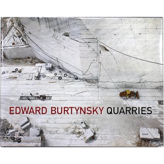 <img class='new_mark_img1' src='https://img.shop-pro.jp/img/new/icons31.gif' style='border:none;display:inline;margin:0px;padding:0px;width:auto;' />Edward Burtynsky: Quarries エドワード・バーティンスキー:採石場