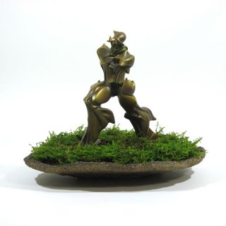 苔生して未来派 a moss-grown futurism