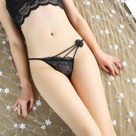 刺繍の花の飾り付き♪ シルバー糸のキラキラTバック 黒