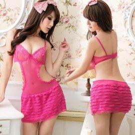 スカートはフリフリ バストは花刺繍 ホットピンクワンピース