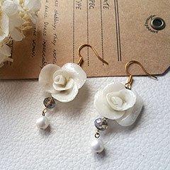 white roseピアス * Espoir et la lune
