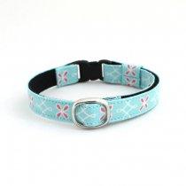パステルカラーの花柄猫首輪【Crochet 水色】