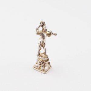 ピーターパン像のシルバーチャーム