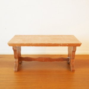 木製長方形テーブルのミニチュア