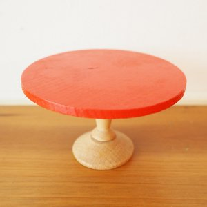 赤いローチェストのミニチュア