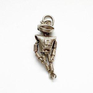 動くロボットのシルバーチャーム