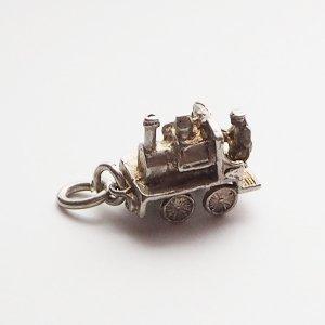 蒸気機関車のシルバーチャームE