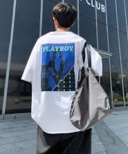 <img class='new_mark_img1' src='https://img.shop-pro.jp/img/new/icons61.gif' style='border:none;display:inline;margin:0px;padding:0px;width:auto;' />【neos -sellect design-】PLAYBOY プレイボーイ ルーズシルエット 配色ステッチ フォト バックプリント Tシャツ●