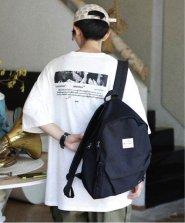 【neos -addictive design-】ビッグシルエット バックプリント ロゴ フォト クルーネック Tシャツ●
